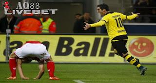 """Agen Piala Eropa - Borussia Dortmund membawa pulang poin penuh dari markas Mainz 05. """"Die Borussen"""" menang 2-0 atas tim tuan rumah lewat gol-gol Marco Reus dan Henrikh Mkhitaryan."""