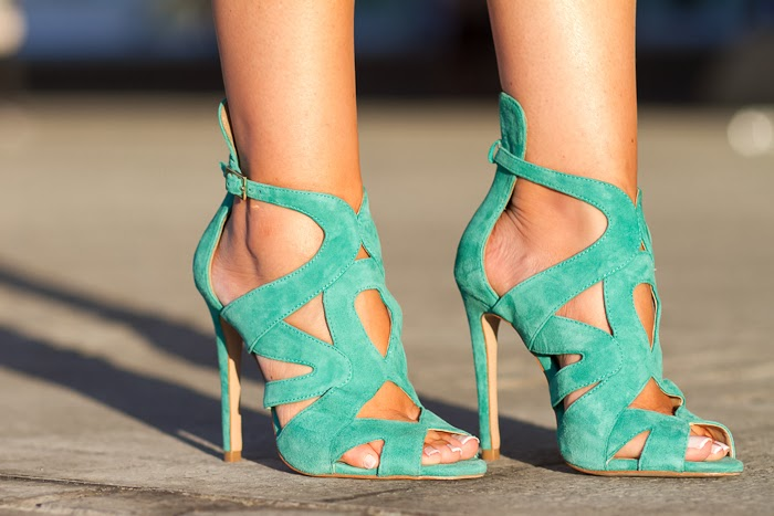 Sandalias de ante verde de Zara de Withorwithoutshoes en la Valencia Fashion Week