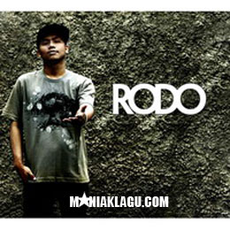 Lirik Lagu Rodo – Maafkan Aku