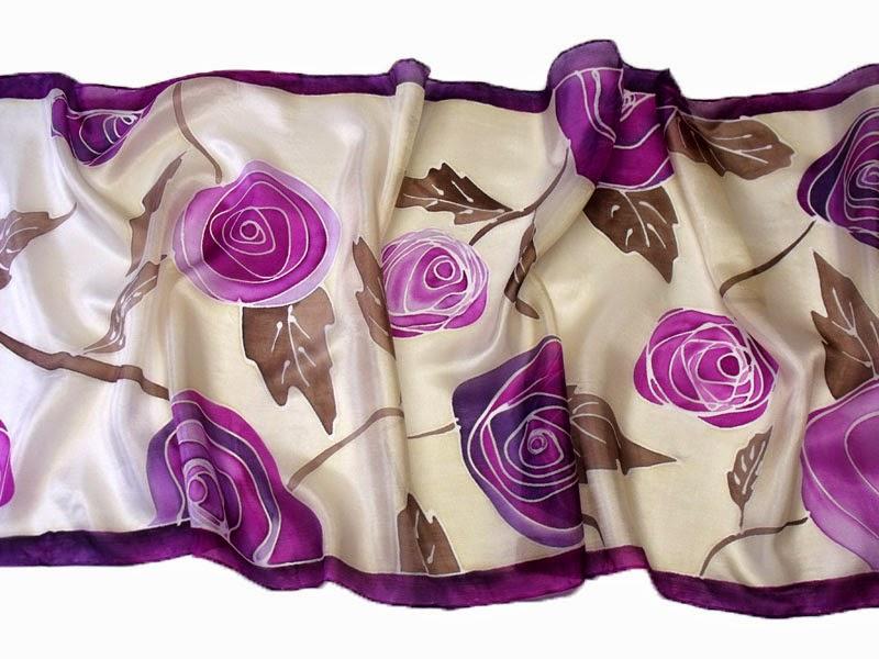 Ballagási ajándék tanároknak, óvónéniknek: rózsás selyem sál kézzel festve.