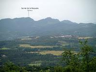 Les muntanyes del darrere de Gironella i Olvan des dels camps de Cal Bonhome