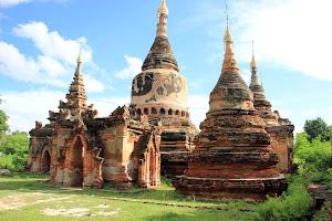 Restos de templos en Inwa (Myanmar)