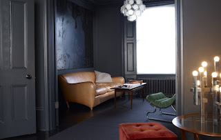 Elegant-Home-Interior-and-Decorating-Ideas-dark-paint-for-wall-and-doors