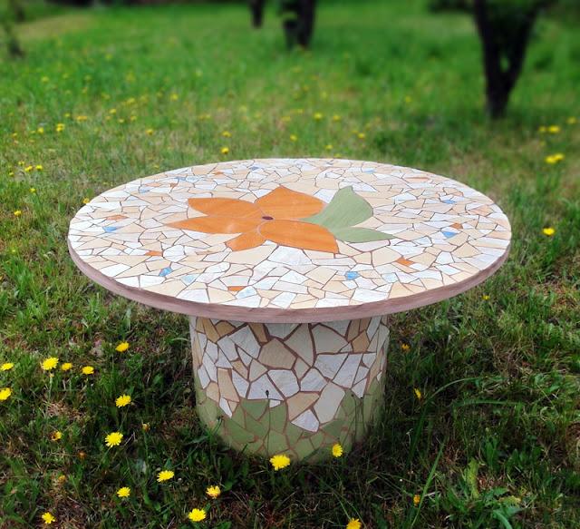 stolik ogrodowy - mozaika artystyczna