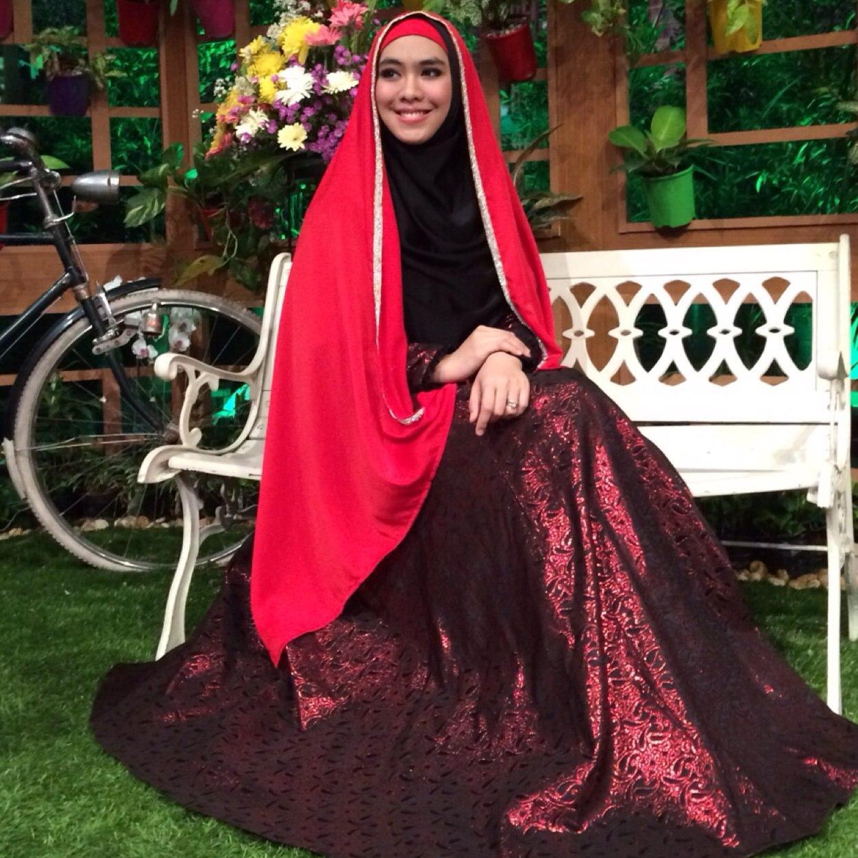 Model Baju Oki Setiana Dewi Terbaru 2016