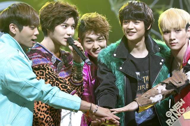 Shinee fighting!