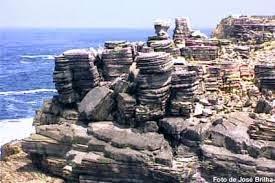 As rochas e os minerais que possuem valor comercial