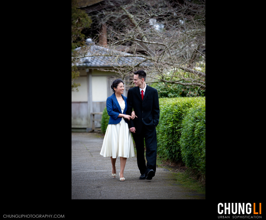 japanese tea garden engagement photographer