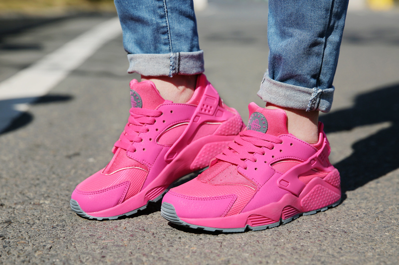 Huarache Hot Lava On Feet
