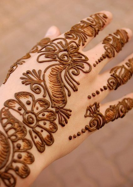 Mehndi Hairstyles Uk : Mehndi designs latest