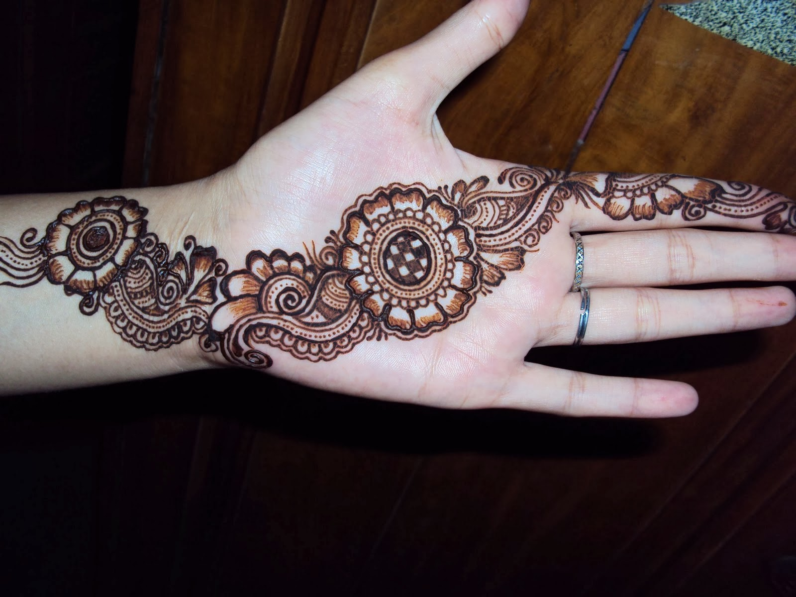 Latest Mehndi Hands : Mehndi designs for hands fashion