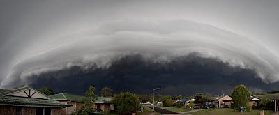 Foto: Shelf Cloud bei Crestmead, Queensland, Australien, 15. Oktober 2011, Fotos Fotogalerie, Wolken, Oktober, 2011,