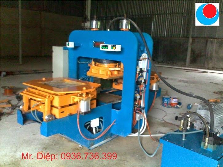 Máy sản xuất gạch lát vỉa hè