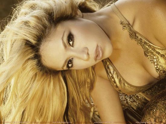 Shakira_full_wide_wallpaper