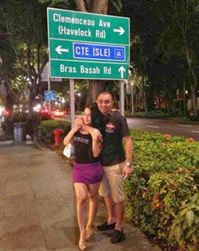 Foto Enji Rangkul Mesra Seorang Wanita di Singapura