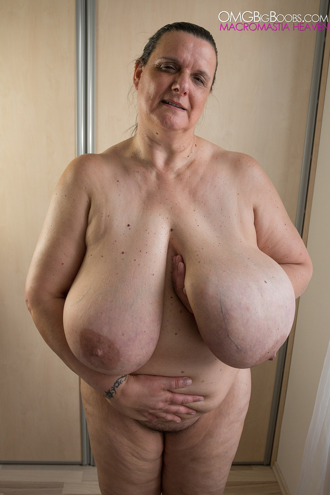 old mature huge tits