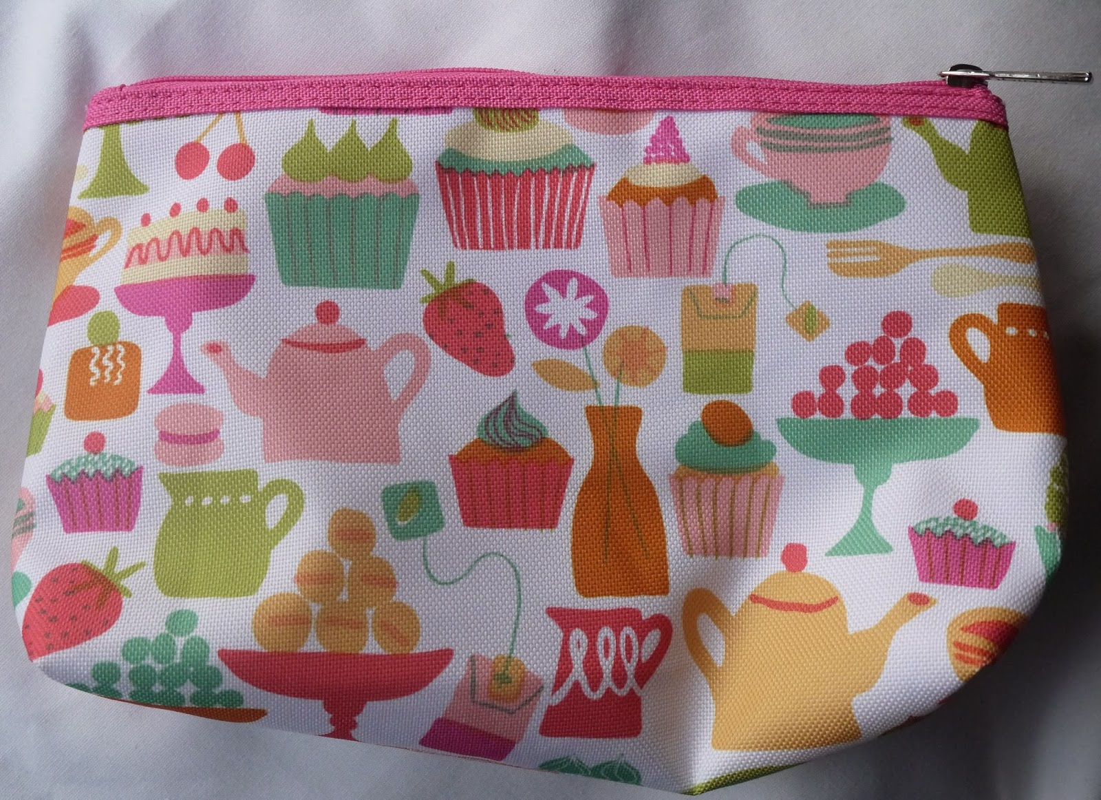 Clinique Fruit and Cake designed colourful Make-Up/Toiletries Bag