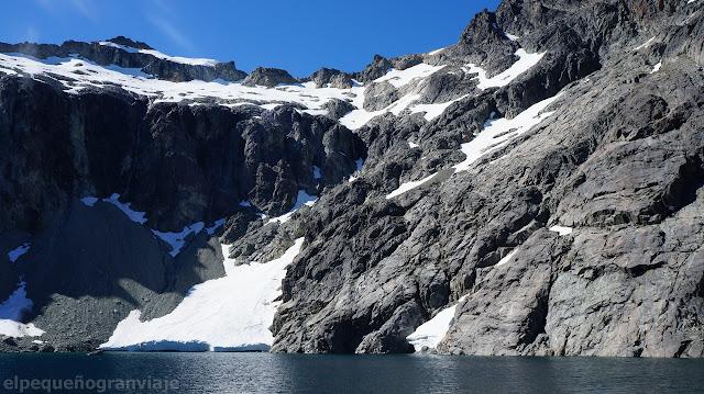 montaña, glaciar, laguna Tempanos, bariloche, patagonia, andes