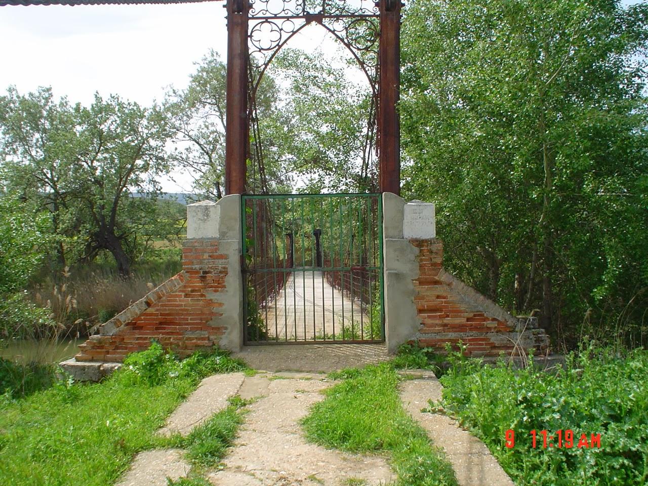 Entrada al Puente