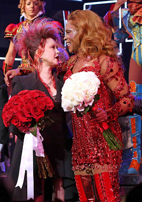 Times square gossip the nyc broadway opening for kinky boots for Cyndi lauper broadway kinky boots