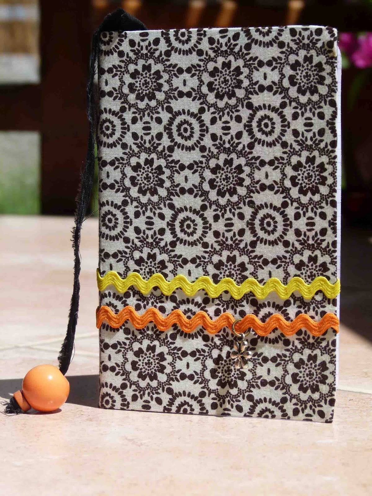 mimi glutte la p 39 tite fabrik carnets en cartonnage. Black Bedroom Furniture Sets. Home Design Ideas