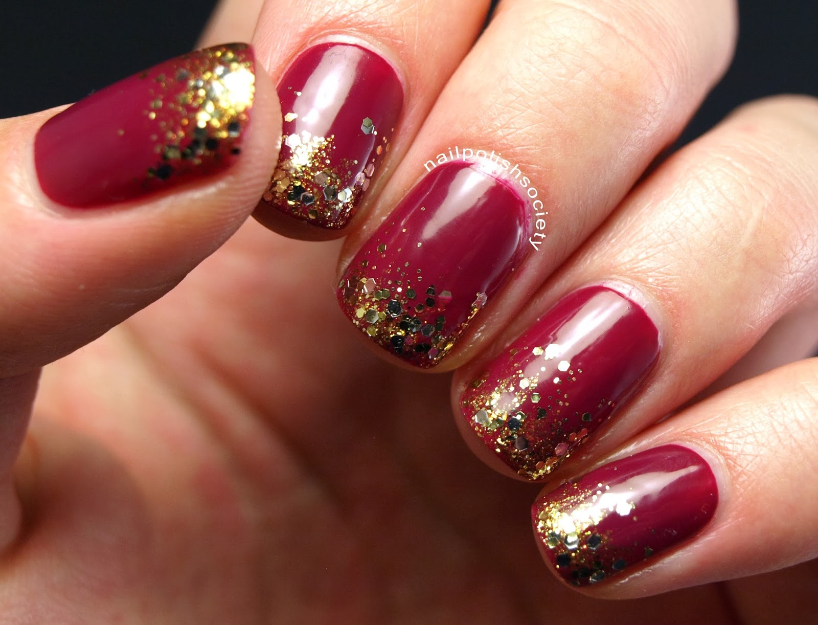 Nail Polish Society: Berry Holiday Party Nails