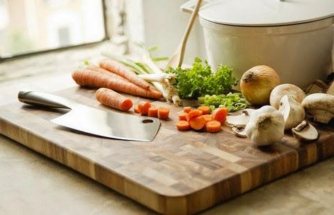 Ironwood Gourmet Acacia Wood Chopping Board