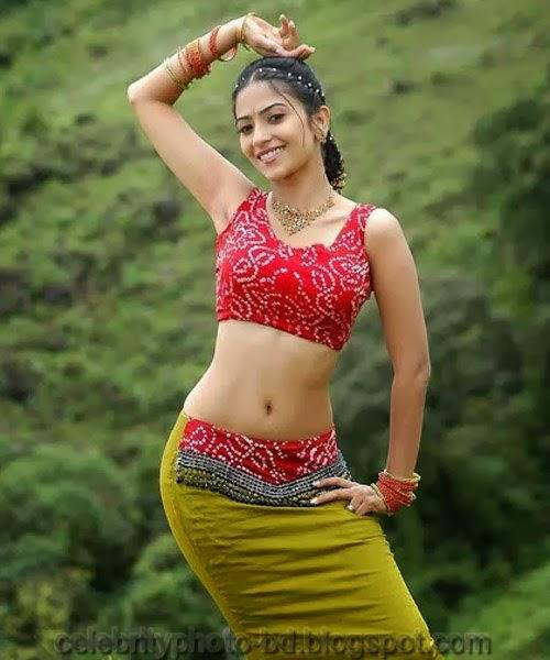 Hot Actress Aditi Sharma's Latest sexy photos With Biography