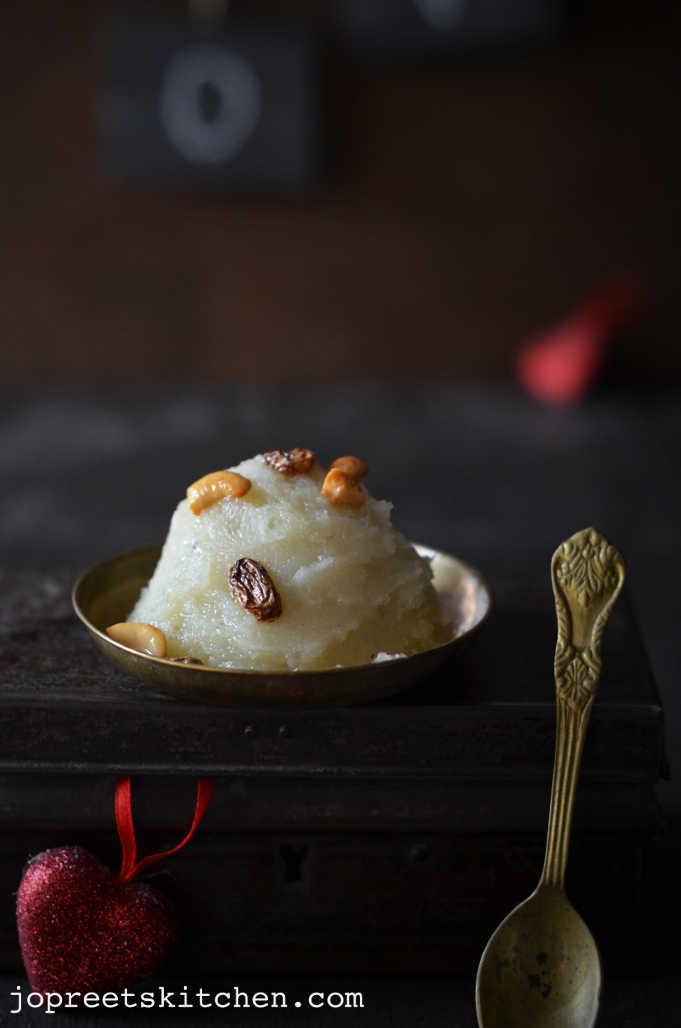 Sweet Potato Pudding / Shakarkand Halwa / Sakkaravalli Kizhangu Halwa