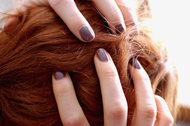 OPI-over-the-taupe-red-hair-rousse-cheveux-beauté-test-vernis-nail-lacquer