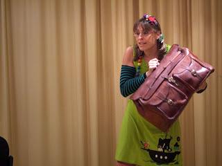 Gracia Iglesias, La Domadora de Cuentos, Biblioteca de Vallecas, cuentacuentos, qué animalada, cuentos, infantil, libro, animación a la lectura