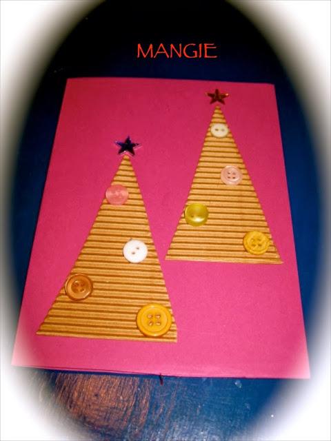 Tarjeta árboles papel, botones y estrellas