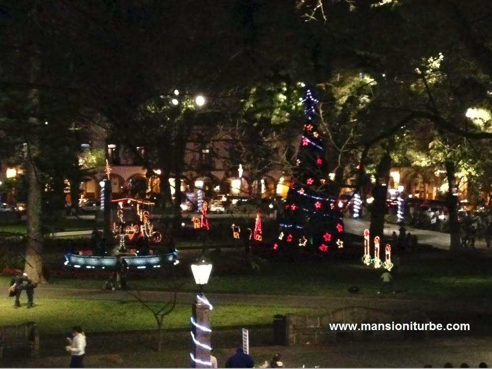 Navidad en Pátzcuaro vista de la Plaza Vasco de Quiroga desde Hotel Mansion Iturbe