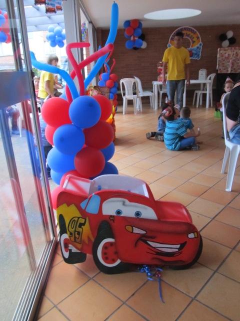 DECORACION DE FIESTAS INFANTILES DE CARS | Revoltosos Recreaciones ...