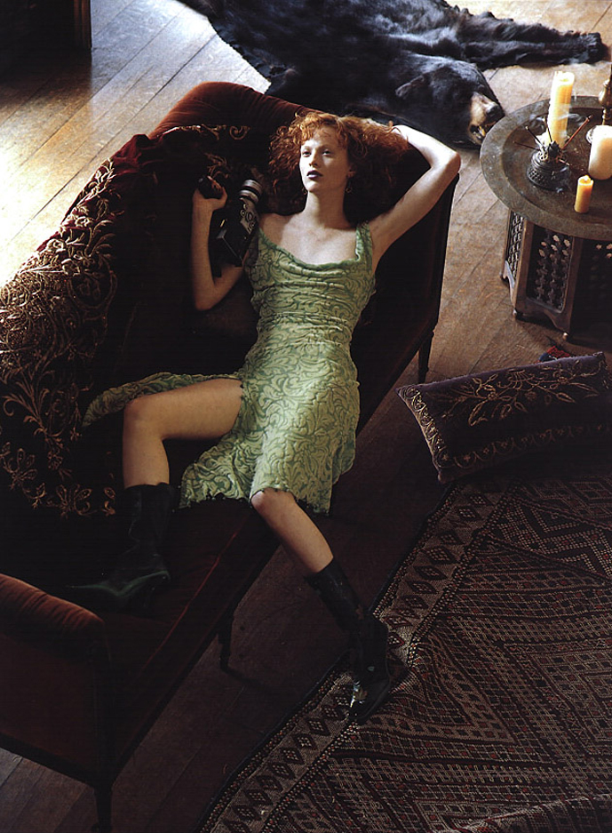 Karen Elson in A gilded age / Vogue US September 1999 (photography: Steven Meisel) via fashioned by love british fashion blog