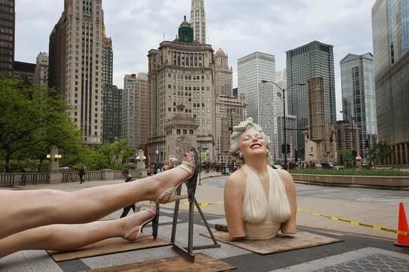 تمثال للفنانة الشهيرة مارلين منرو Marilyn Monroe