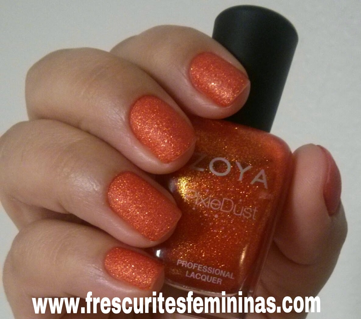 frescurites femininas, zoya, pixie dust, dhara, nail, polish, orange nails