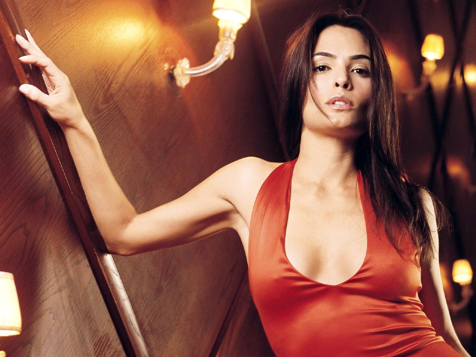 http://1.bp.blogspot.com/-xXwvK94eHss/Ty63jUIX4hI/AAAAAAAAB04/JIqWioSBvzs/s1600/0134-Hot-Celebrity-Wallpaper-Talisa-Soto.jpg