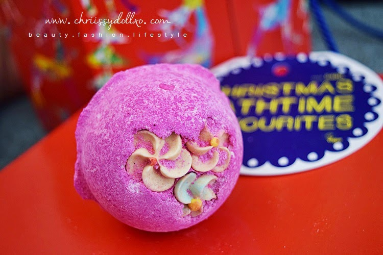 Lush Cosmetics : Think Pink Bath Bomb Demo and Review