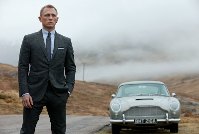 There's no denying: James Bond's tight suit looks great!
