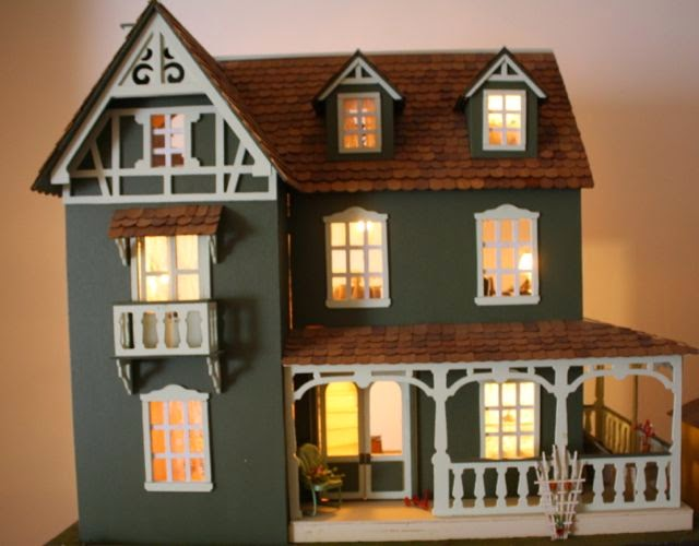 Ann S Dollhouse Dreams The Franklin