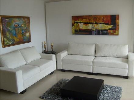 Tapiceria y muebleria creaciones del norte for Muebles de sala medellin