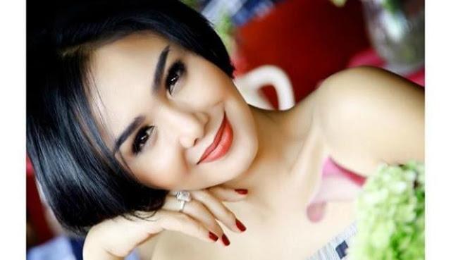 Rahasia Dibalik Kecantikan luar Biasa Yuni Shara