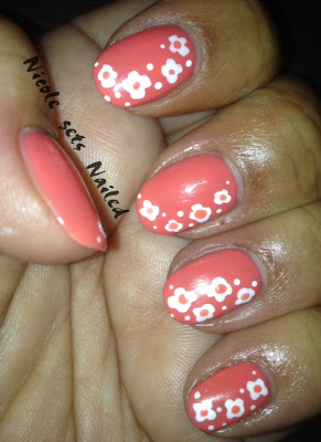 White Flowers Coral Nail Art