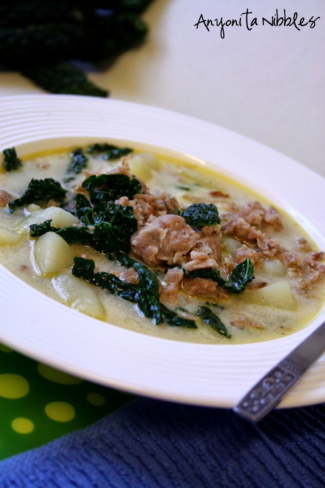 This Zuppa Toscana tastes just like what you get from Olive Garden! Delicious & a must pin!