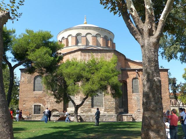Стамбул. Дворец Топкапи. Первый двор