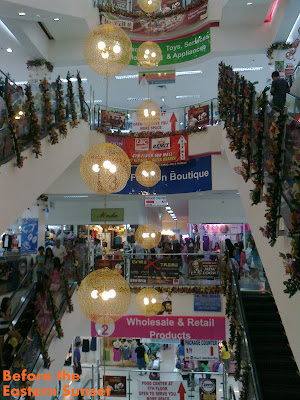 Christmas decorations in 168 Mall.