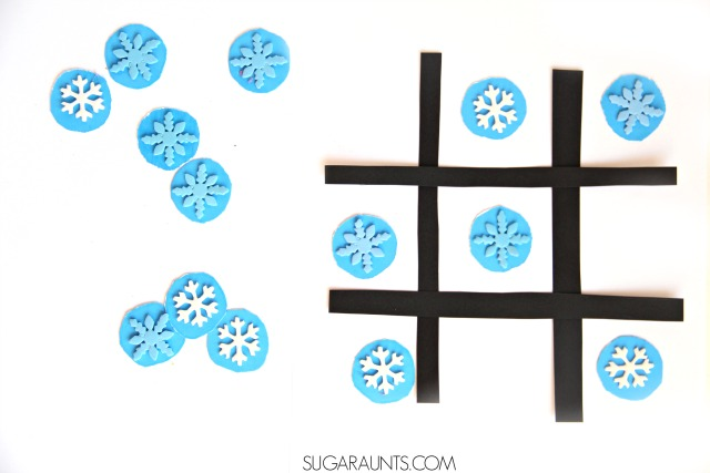 Play this sight word tic tac toe game with a winter snowflake theme. This is perfect for Kindergarten and early childhood education.