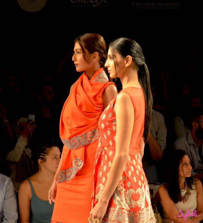 Lakme Fashion Week, LFW, Fashion Week, designer, model, indian, traditional, ethnic,orange, bright, surendri,