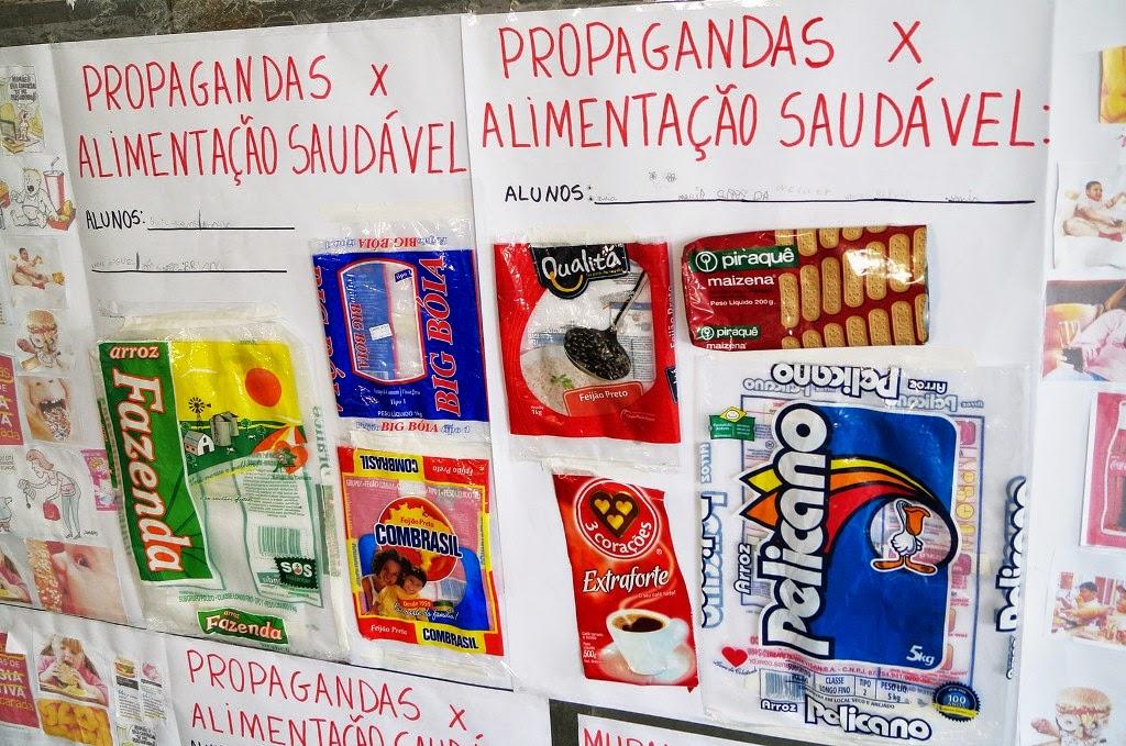 A produção de cartazes, murais e materiais pedagógicos fizeram parte dos trabalhos desenvolvidos por professores e alunos durante a Semana da Educação Alimentar